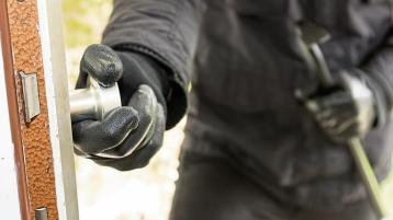 Carlow gardaí investigating after wedding ring stolen in burglary